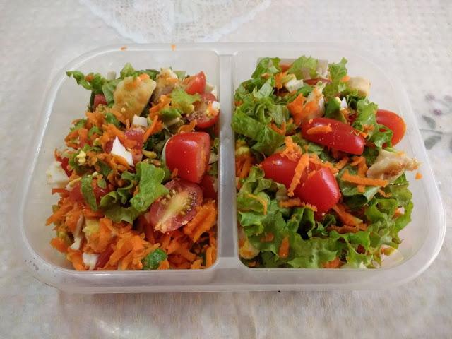 Ensalada de pollo con verduras súper fácil